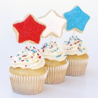 4th of july cupcakes with cookie toppers