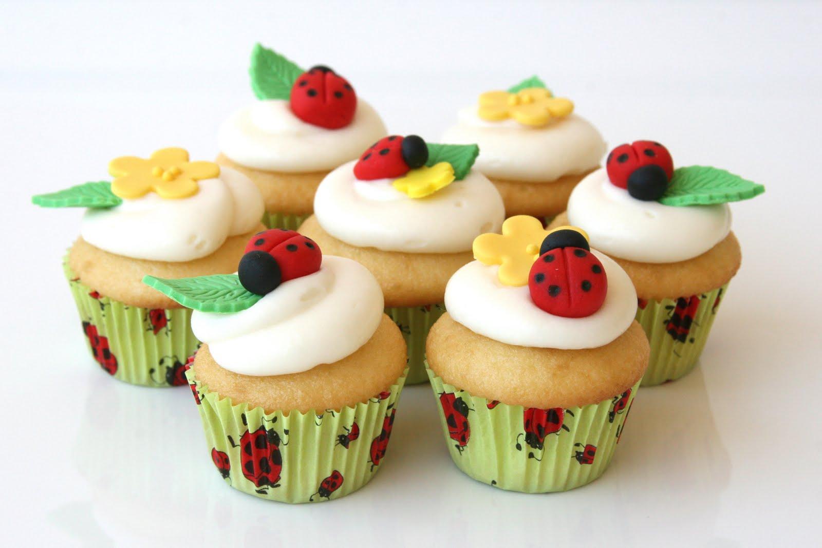 How To Make Fondant Ladybugs Glorious Treats - Bug cupcake decorating ideas