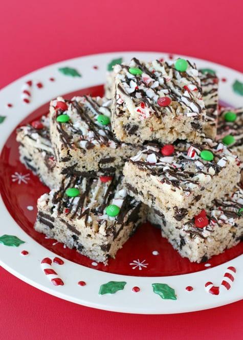 Peppermint Oreo Krispie Treats - The perfect holiday treat!