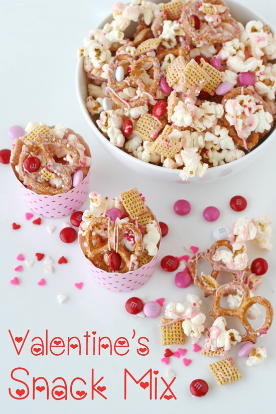 valentines snack mix - Valentine Snacks For School