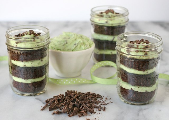 Chocolate Mint Cupcakes {in a jar} - by Glorious Treats