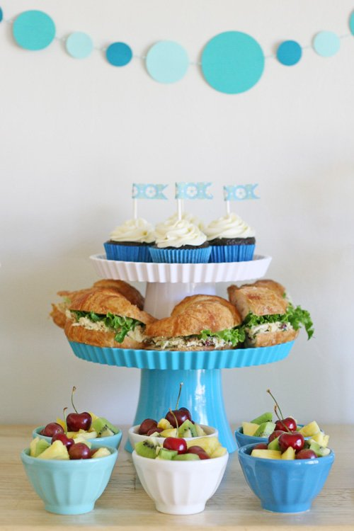 Easy party menu ideas {with a pretty blue and white party} from glorioustreats.com