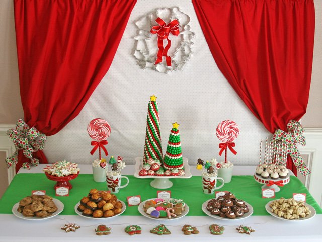 Christmas Cookie Exchange Party Table - glorioustreats.com