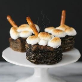 Halloween Cauldron Treats - glorioustreats.com
