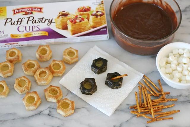 How to make bubbling cauldron treats - glorioustreats.com