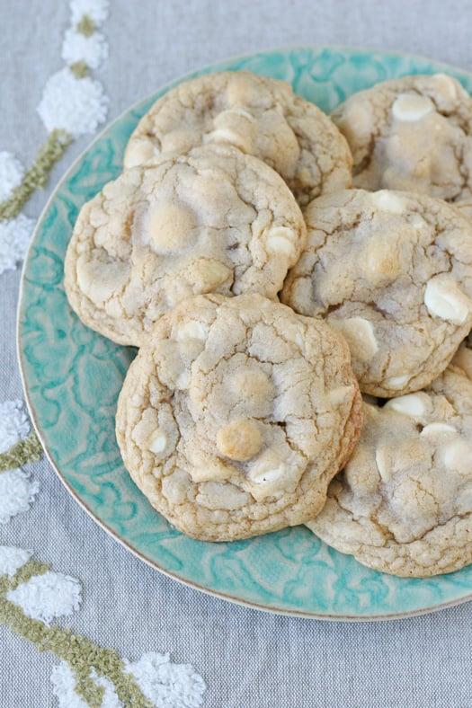 White Chocolate Macadamia Nut Cookies - glorioustreats.com