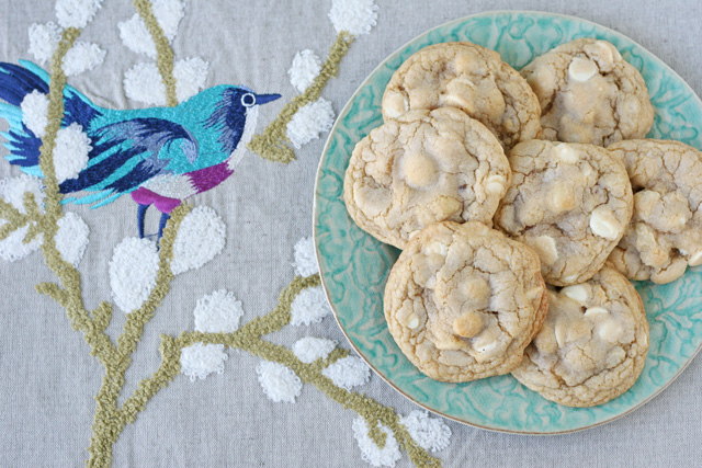 White Chocolate Macadamia Nut Cookies - glorioustreats.com