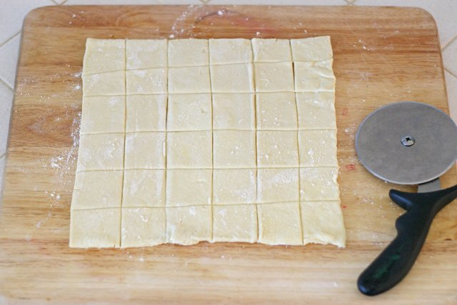 Making mini puff pastry bite (for Turkey Pesto Appetizer) - glorioustreats.com