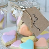 Heart Cookies in a Jar recipe and tutorial - glorioustreats.com