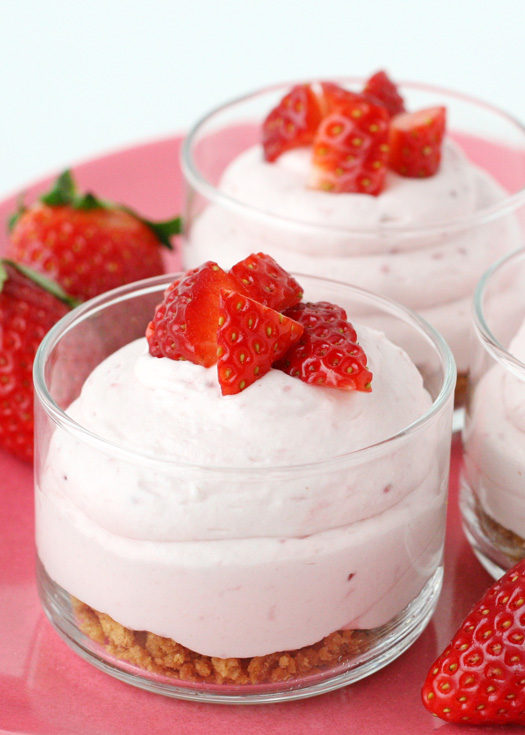 No Bake Strawberry Cheesecake - glorioustreats.com