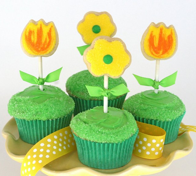 Cute Spring Cupcakes - glorioustreats.com
