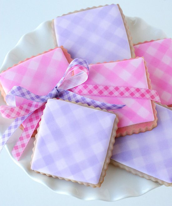 Gingham Cookies - glorioustreats.com