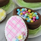 Easter Egg Cookie Boxes - Such a beautiful and creative idea! via GloriousTreats.com
