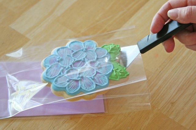 Pretty Cookie Packaging - Step by Step, via GloriousTreats.com
