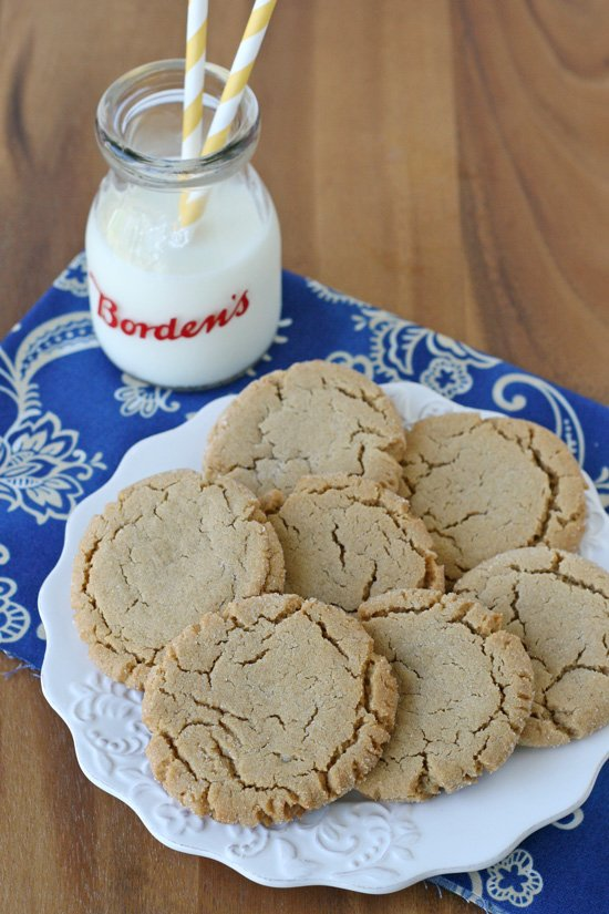 Chewy Peanut Butter Cookies - Classic and delicious!!