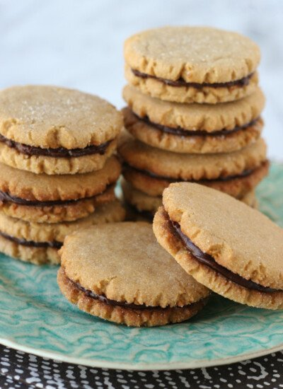 Peanut Butter Cookies with Chocolate Filling - Nothing beats the flavor combination of peanut butter and chocolate!