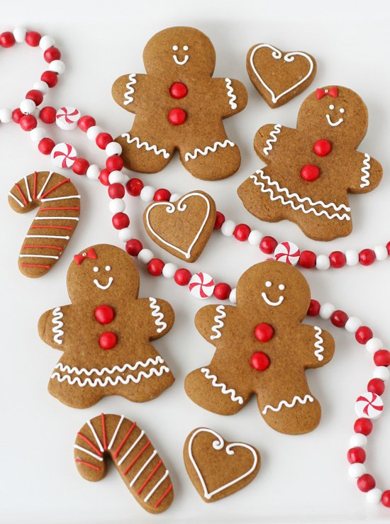 gingerbread cookies perfectly cute and classic - How To Decorate Christmas Cookies