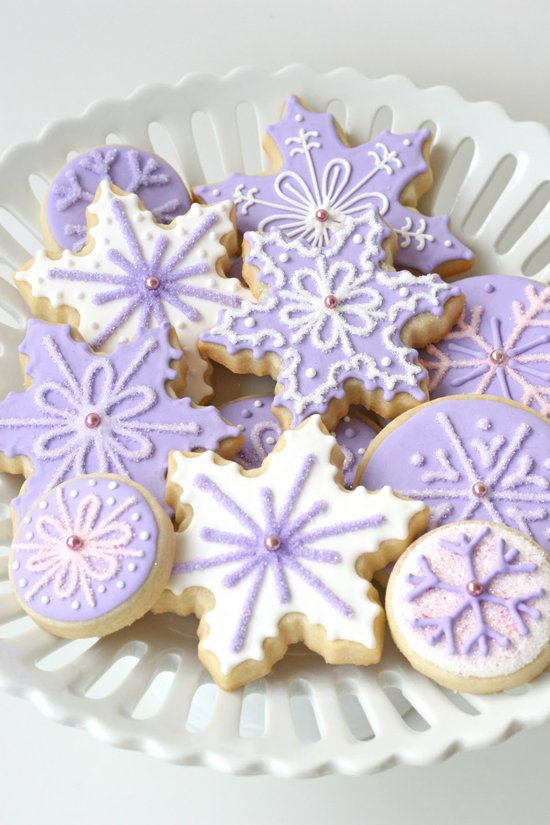 Purple Christmas Cookies - See full post for tons beautiful Christmas cookie ideas!