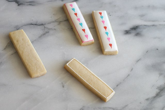 Perfectly cute & simple Valentine's Cookie Sticks