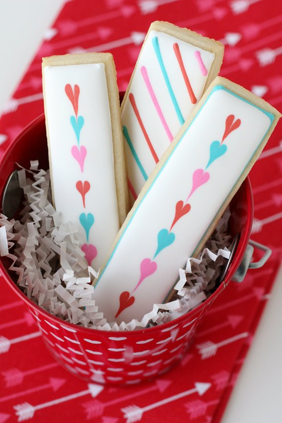 Cute & Simple Valentine's Cookies - Easy step by step directions to make adorable Valentine's Cookies