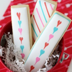 Simple designs for perfectly cute Valentine's Cookies