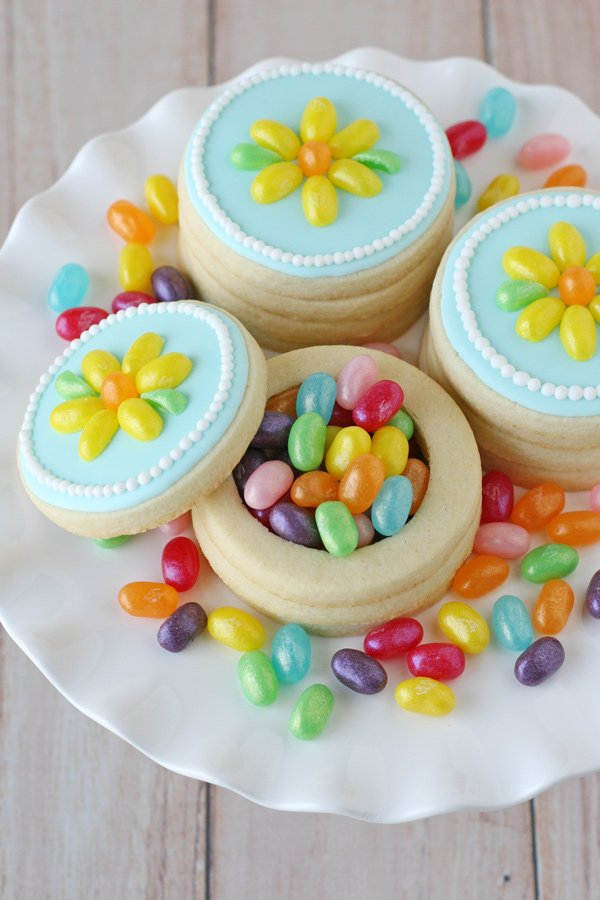 These Jelly Belly Cookie Boxes would be gorgeous favors for any party!