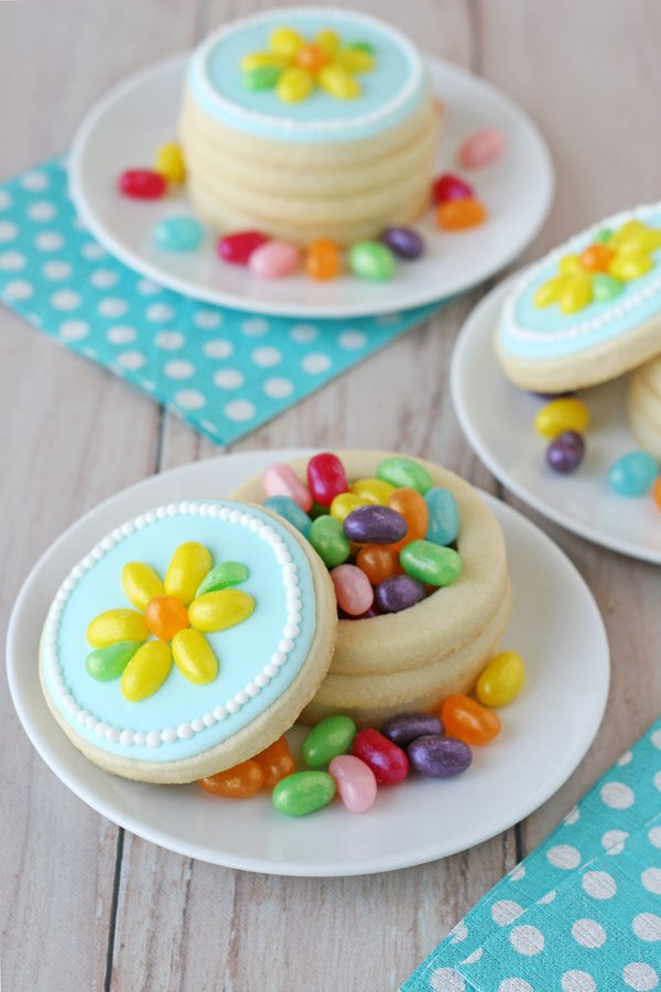 Beautiful Spring Flower Cookie Boxes - with easy to follow step-by-step instructions