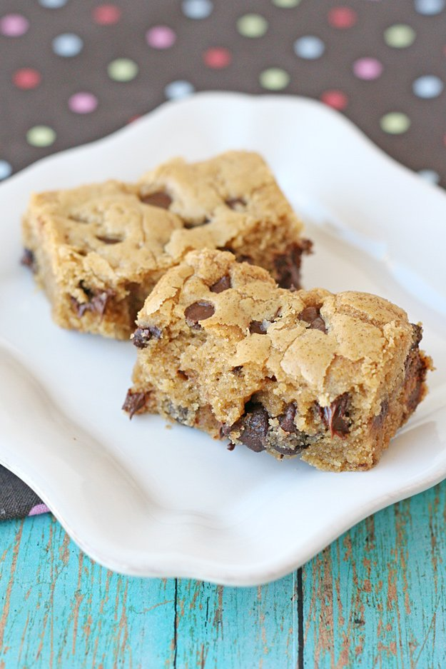 Rich, chewy and delicious! Peanut Butter Cookie Bars Recipe