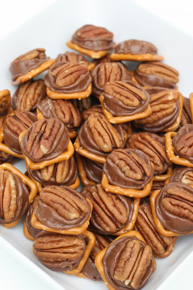 Rolo Pretzel Bites   Simply the best snack EVER!