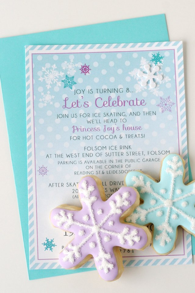 Beautiful invitations for a winter party! Perfect for a Frozen theme, winter wonderland or Christmas.
