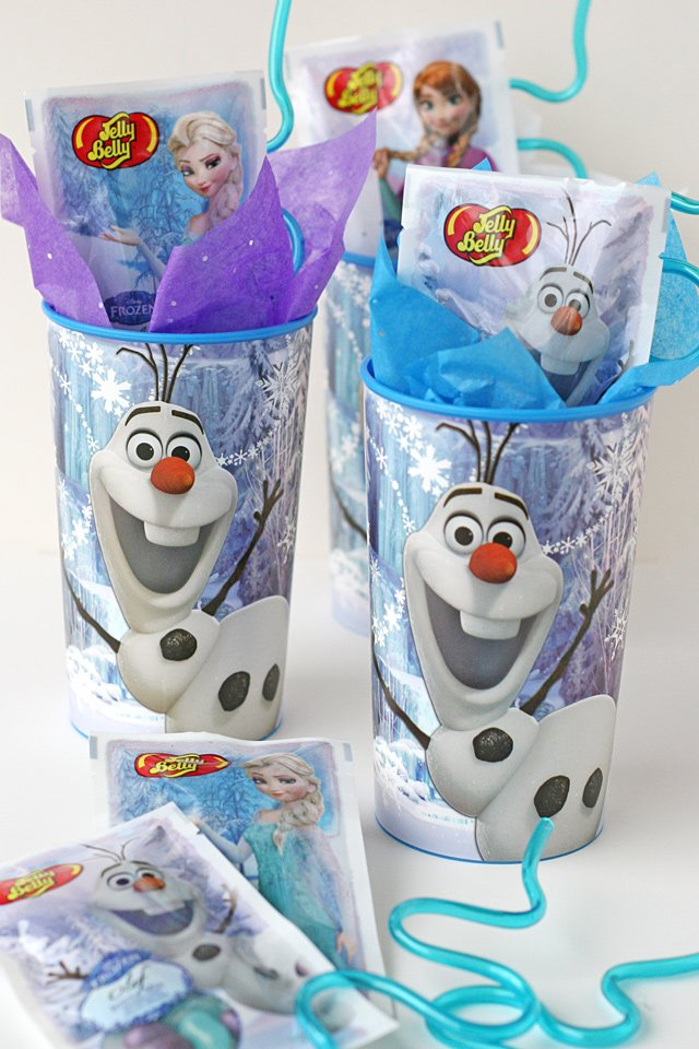 Frozen birthday party favor ideas - Cute and simple!