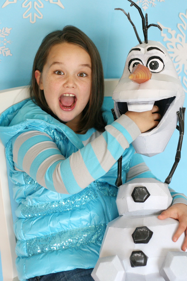 DIY Olaf Frozen party prop - So perfect for photos!