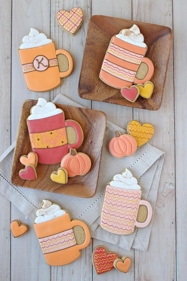 Delicious and adorable PUMPKIN SPICE DECORATED COOKIES!