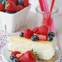Simply the BEST Vanilla Cheesecake recipe!