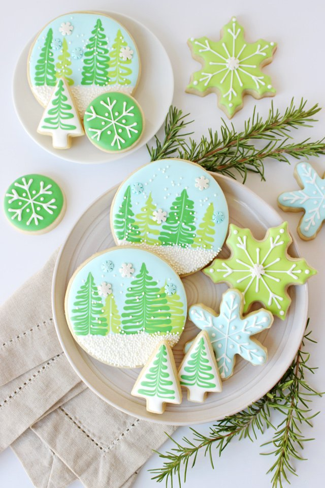 Beautiful Winter Decorated Cookies