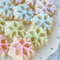Spritz Snowflake Cookies - So pretty!