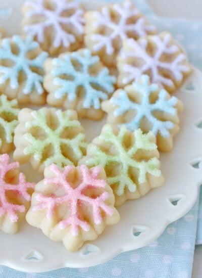 Spritz Snowflake Cookies - So pretty!
