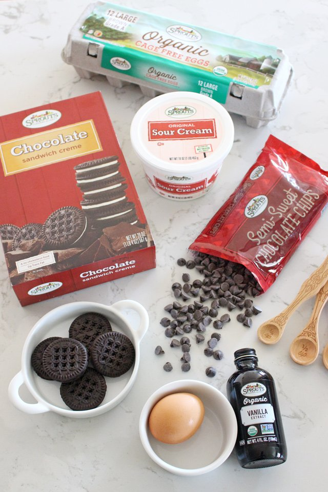 Rich and creamy CHOCOLATE CHEESECAKE RECIPE!