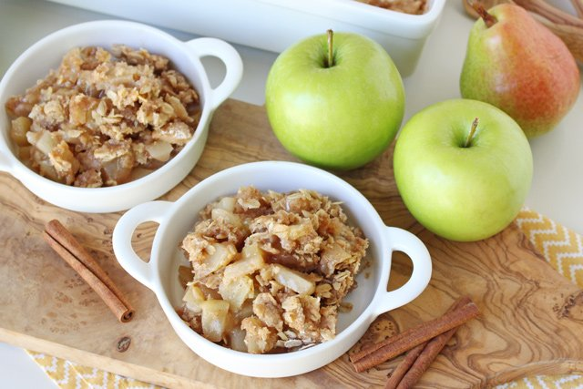 The BEST Apple Crisp recipe! Flavorful and delicious!