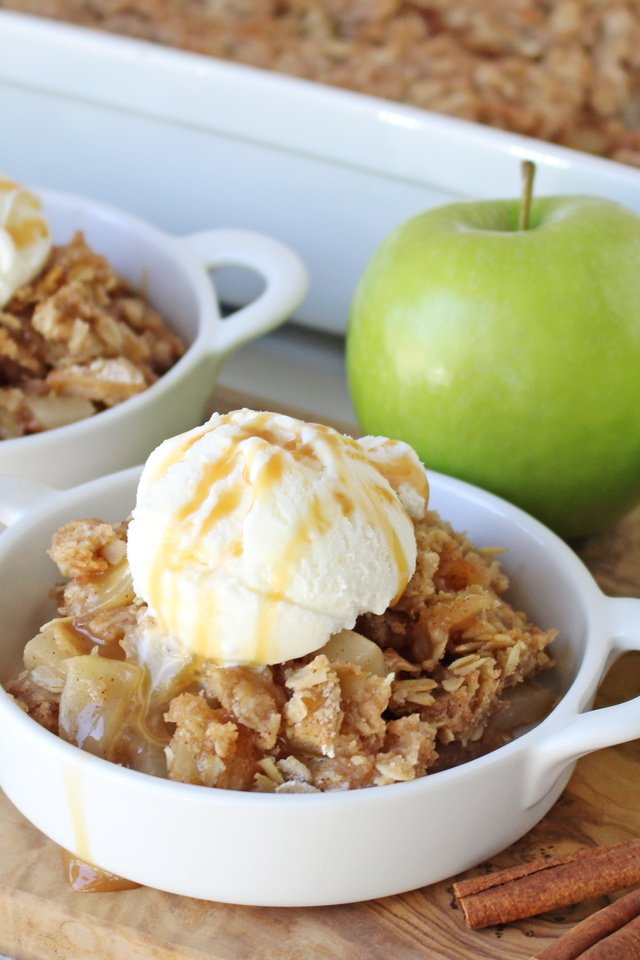 Simply the BEST Apple Crisp! Easy and flavorful!