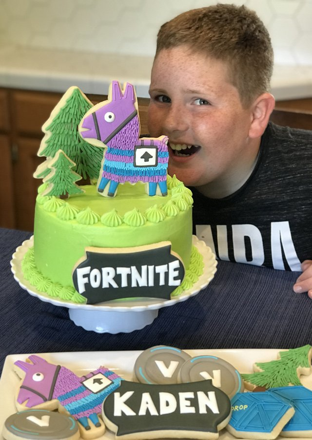 Fortnite Loot Llama Birthday Cake